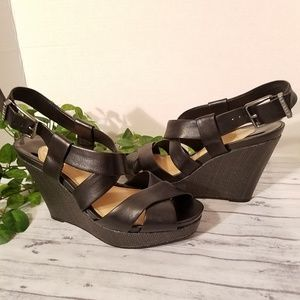 Gianni Bini Leather Ankle Strap Wedge Sandals sz 9